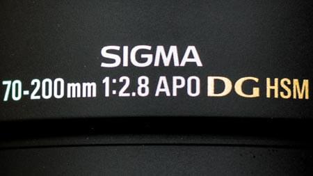 Objektivbezeichnung: Brennweite 105mm und Offenblende f/2.8