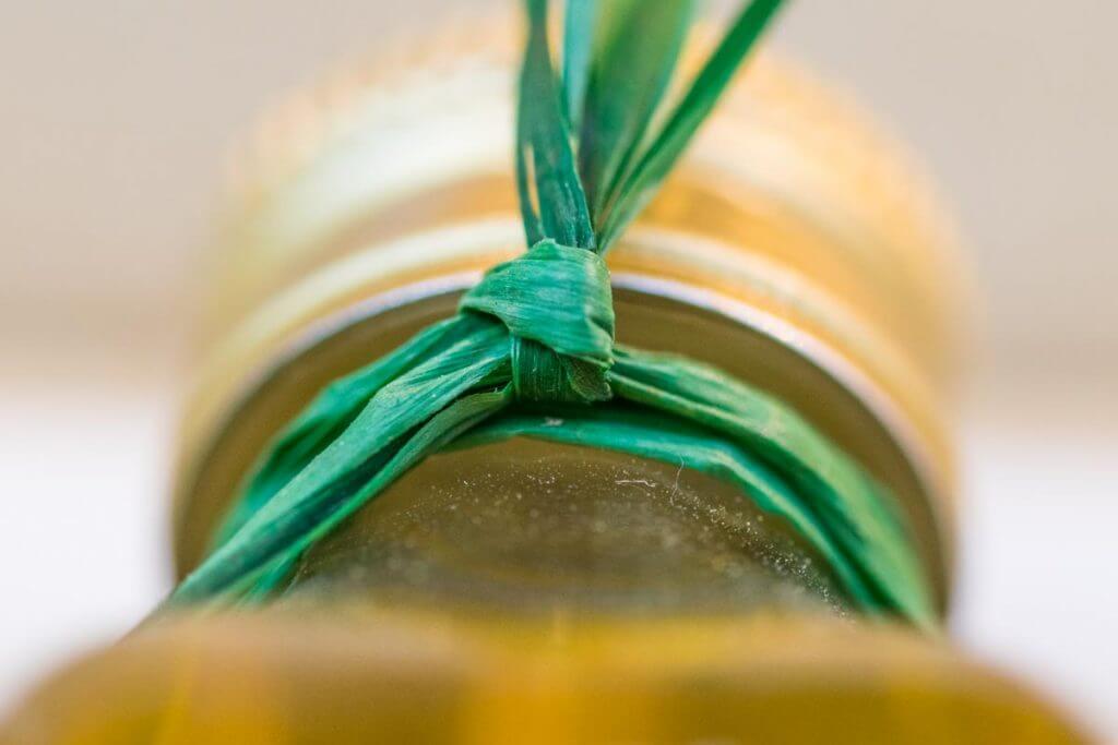 Olivenöl-Flaschenhals ganz nah
