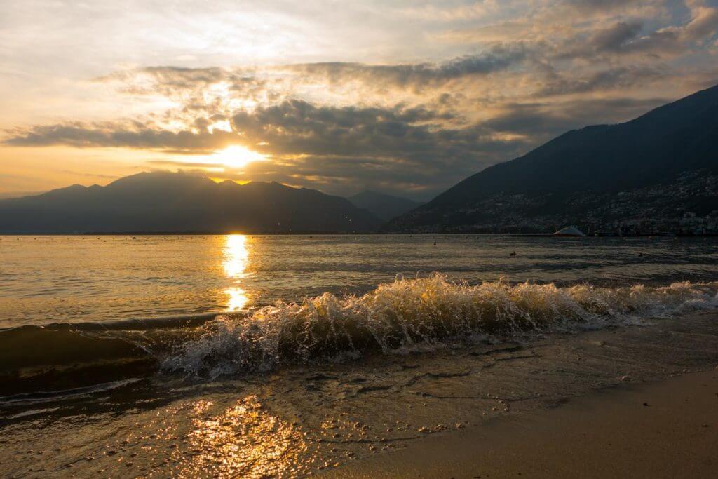 Sonnenuntergang in Tenero TI