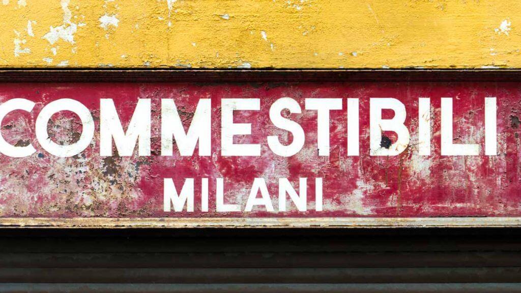 Alte Ladenbeschriftung in der Altstadt von Locarno