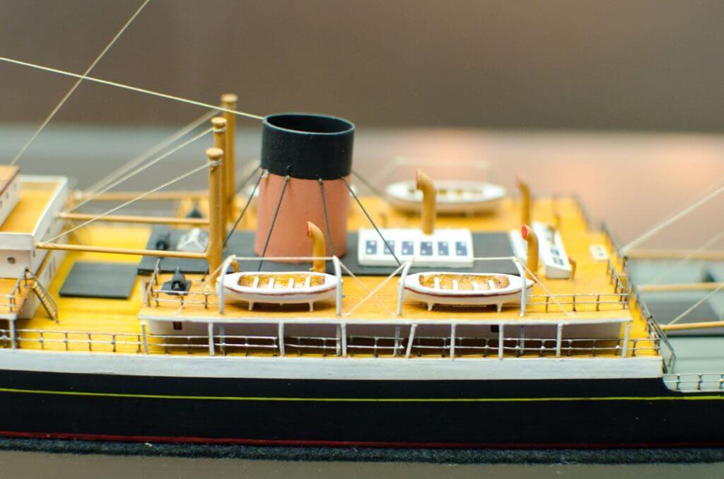 Detail Modellschiff - fotografieren im Museum