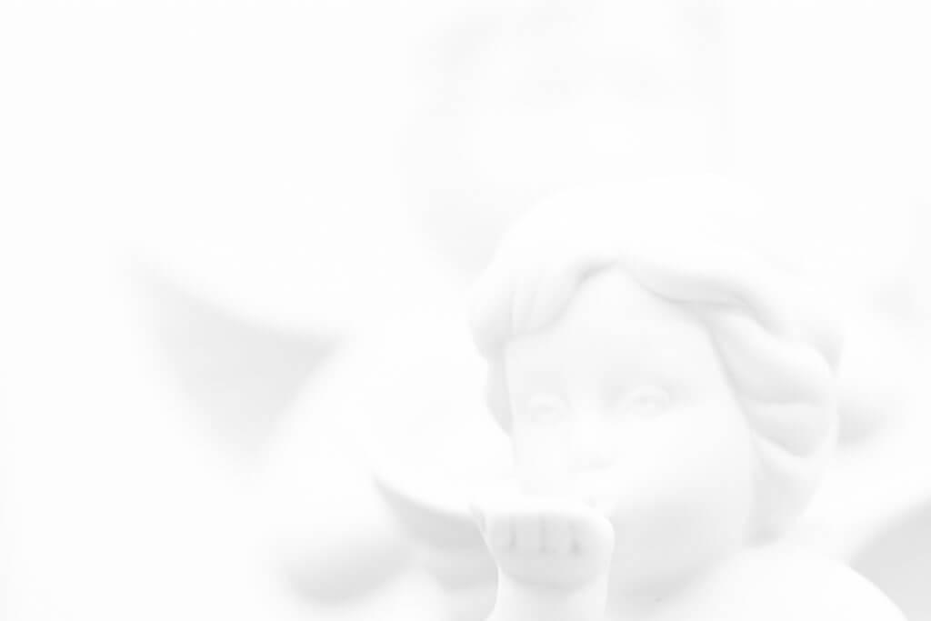 Clipping vermeiden - High-Key-Bild - weisser Engel
