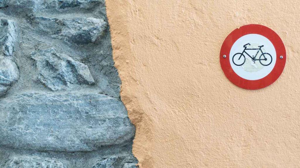 Mauerdetails in der Altstadt von Ascona