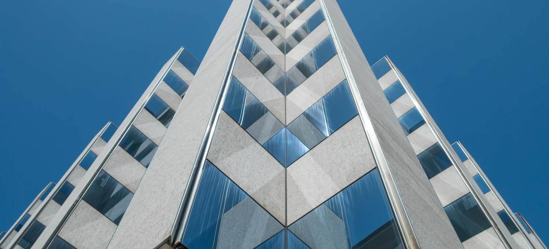 Sensorflecken entfernen mit GIMP - Postgebäude Locarno