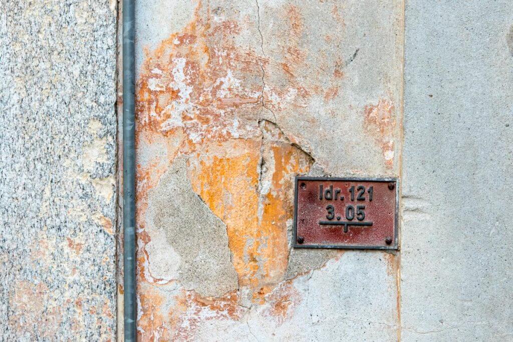 Altstadtfassade - Zahn der Zeit