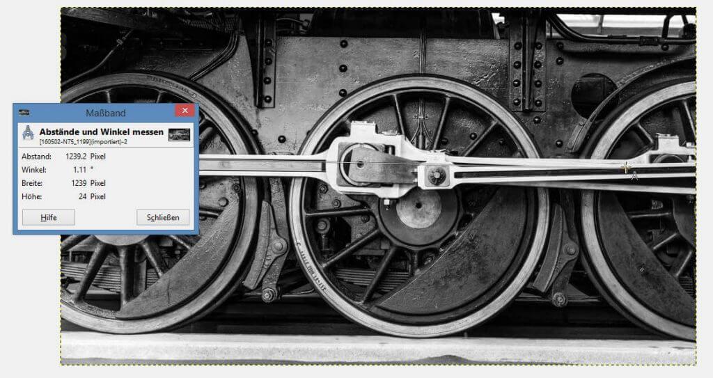 Massband über das Gestänge ziehen - Horizont mit GIMP korrigieren
