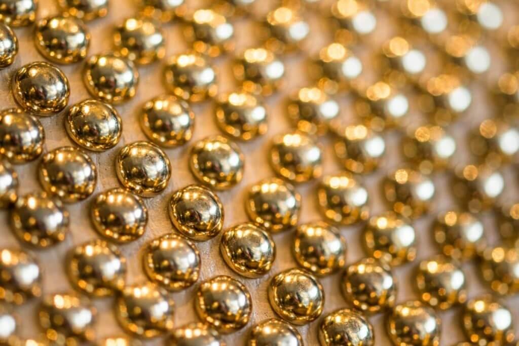 Perlen an Handtasche - Schaufensterfotos