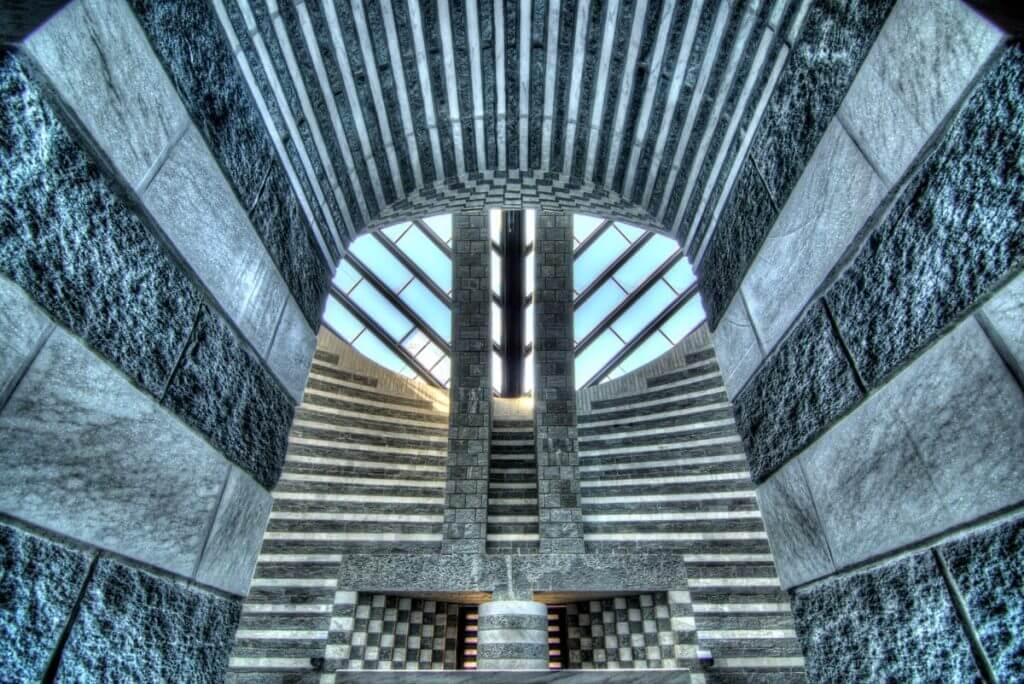 Innenraum der Kirche von Mogno TI - Weitwinkel Zoom kaufen