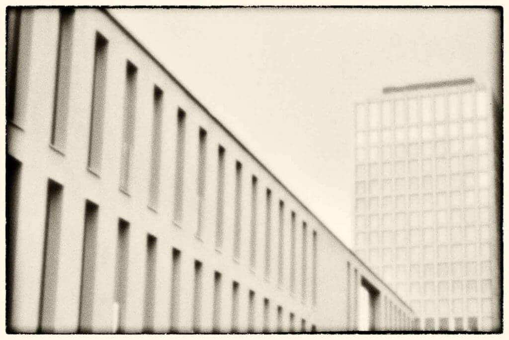 Fachhochschule St. Gallen mit der Lochkamera fotografiert
