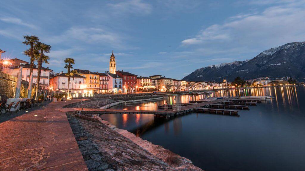Kontrastumfang erhöhen - Ascona in der blauen Stunde