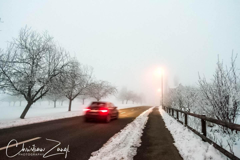 Streetfotografie in vor Einbruch der Nacht