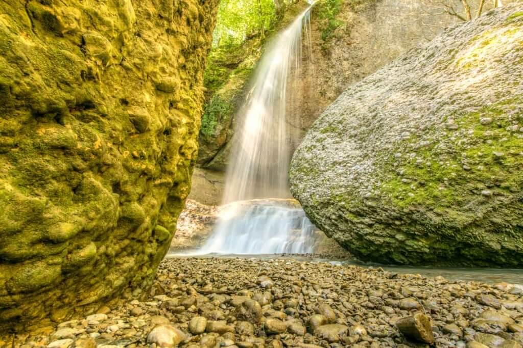 Wasserfall in der Äuelischlucht, Stativ kaufen