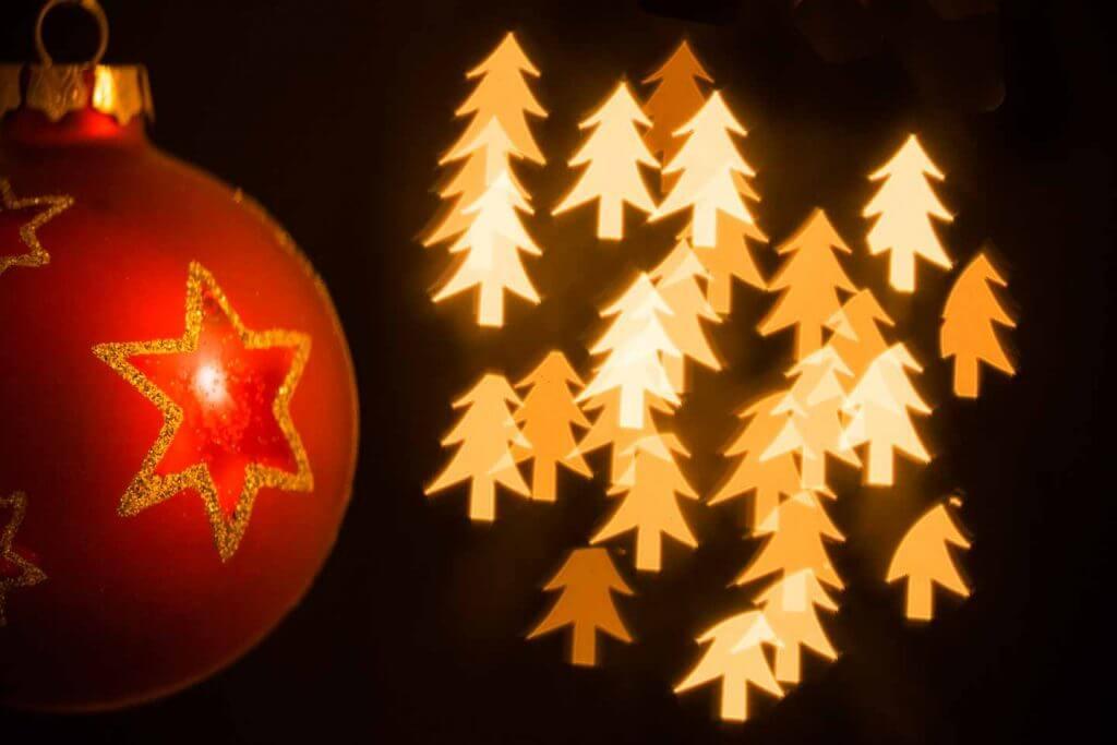 Weihnachtsmotiv mit Bokeh Schablonen fotografieren