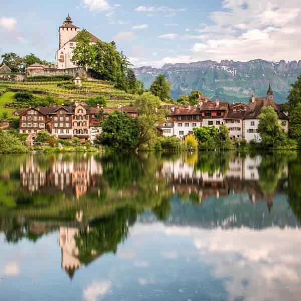 Werdenberg mit Spiegelbild