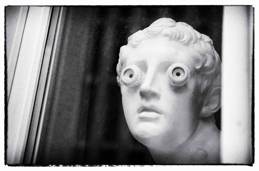 Weitblick durchs Fenster - Faszination Schwarzweissfotografie