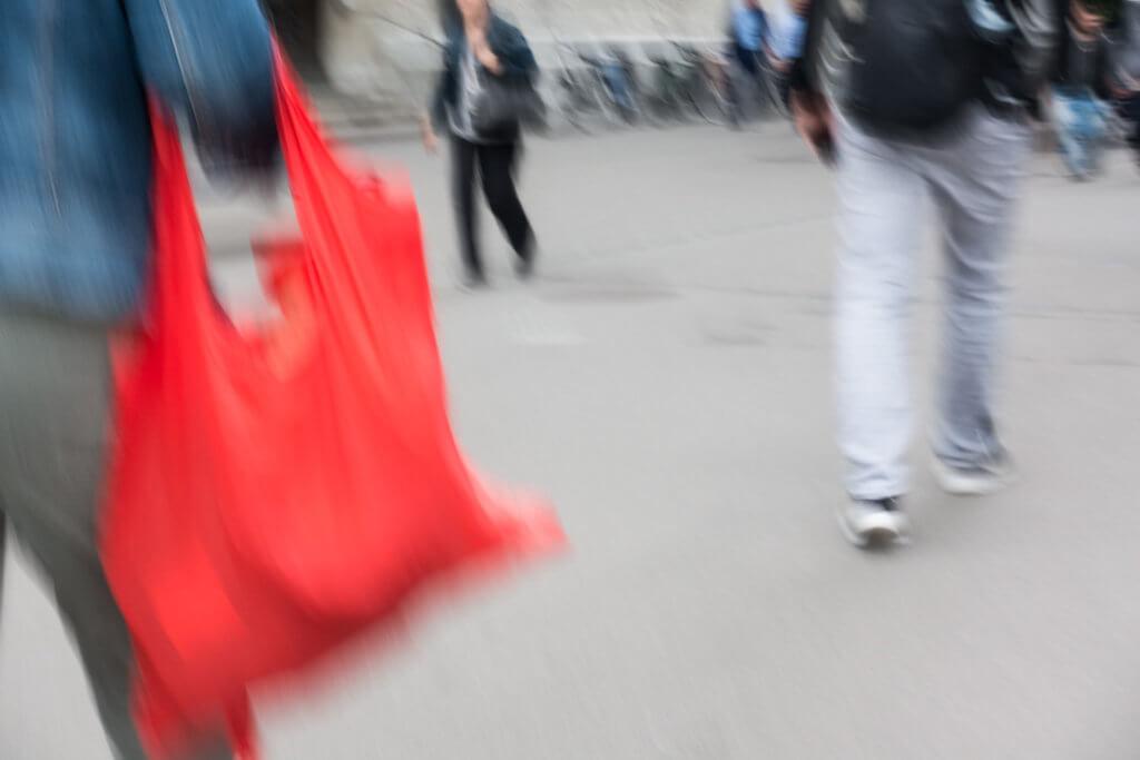 Streetfotografie ohne Blick durch den Sucher