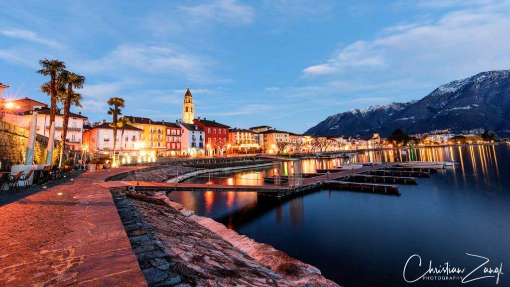 Ascona im Winter by night in der Blauen Stunde