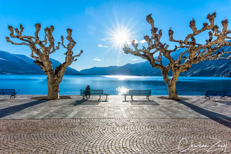 Winternachmittag an der Seepromenade in Ascona