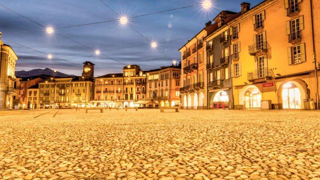 HDR Foto erstellen - Piazza Grande in Locarno