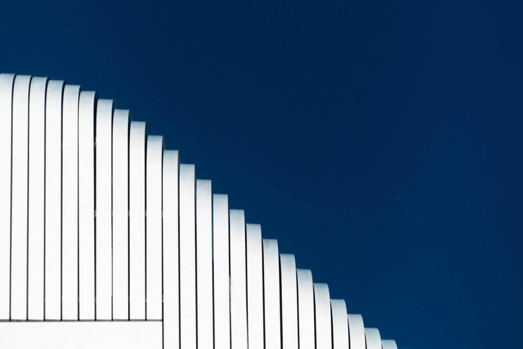 Abstrakte Fotografie Silberturm