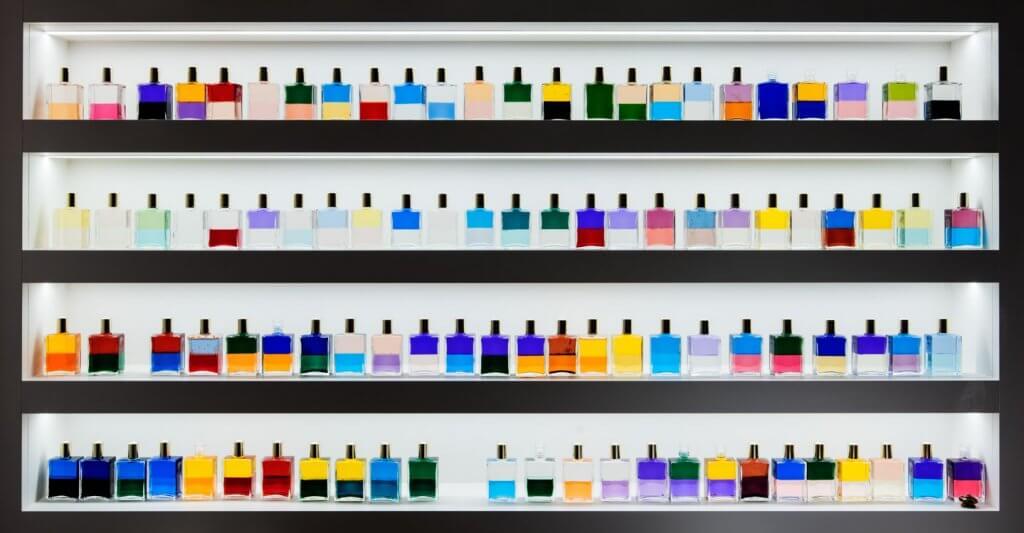 Flaschenfarbenspiel
