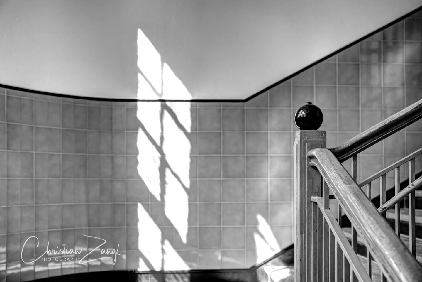 Sommersonne im Treppenhaus